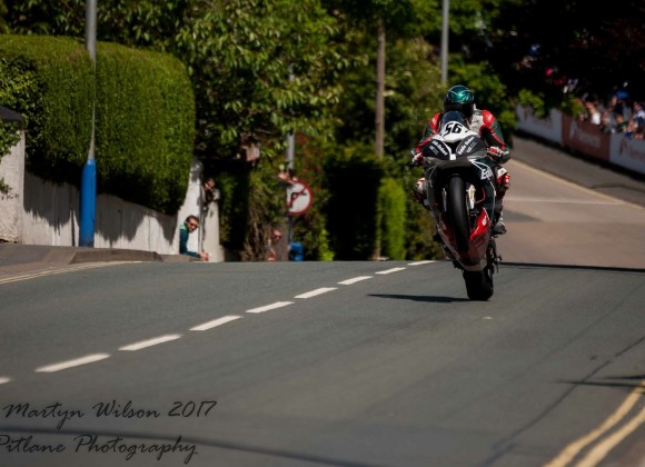 TT Superbike Race 1 Update